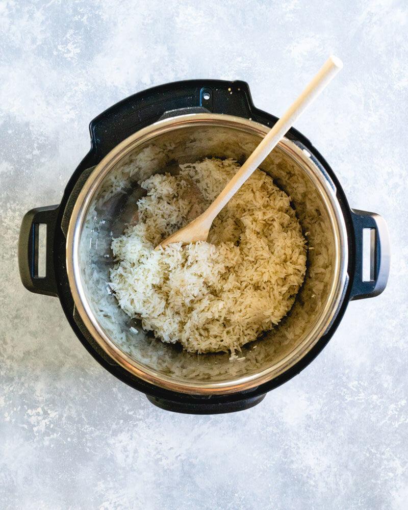 Riz blanc en pot instantané