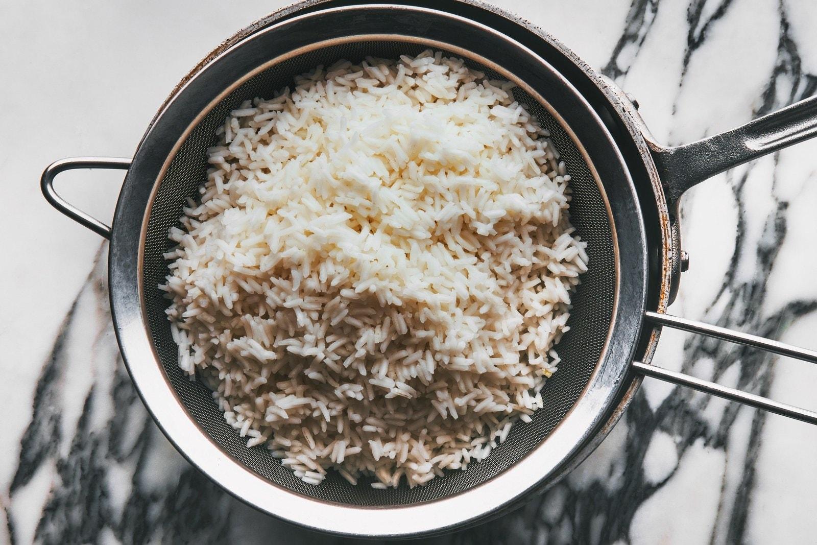 L'image peut contenir des légumes végétaux et du riz