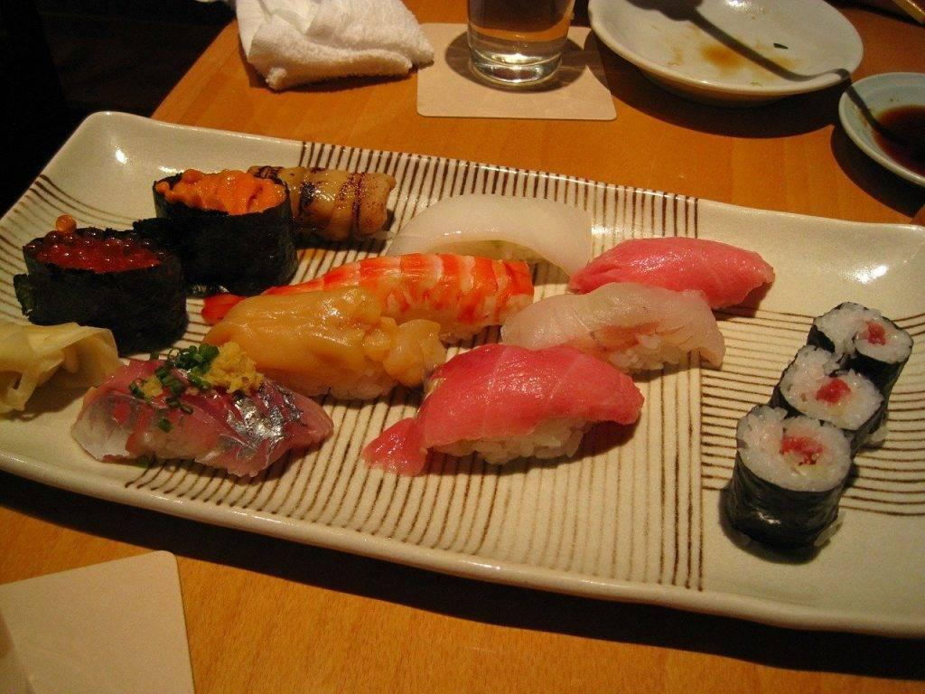 alimentaire du japon, véritable sushi, premières