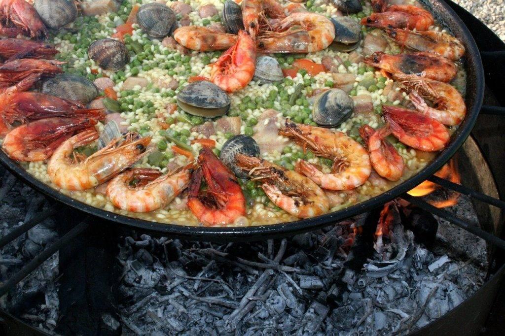 paella, valencia, fruits de mer